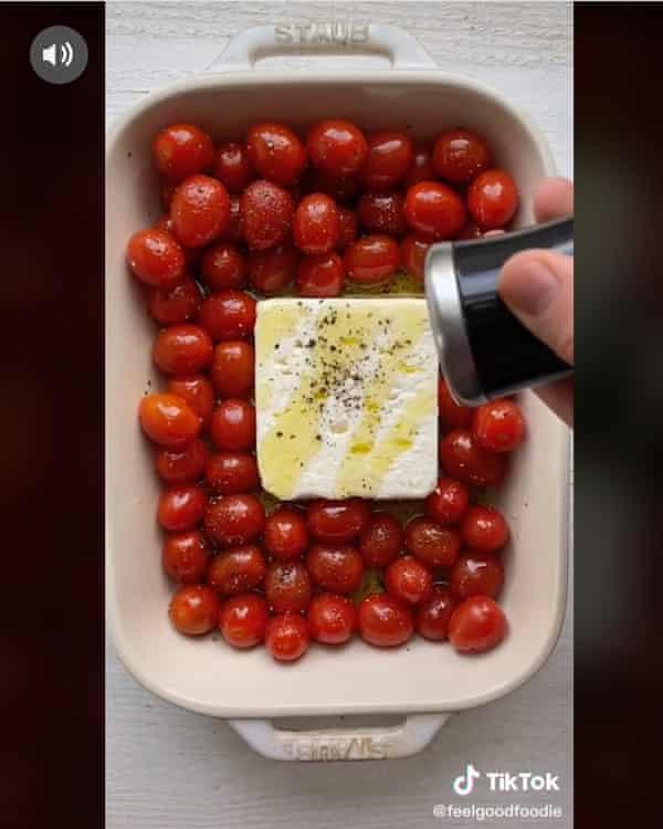 Una salsa para pasta de tomate y queso feta que se volvió viral en TikTok a principios de este año.