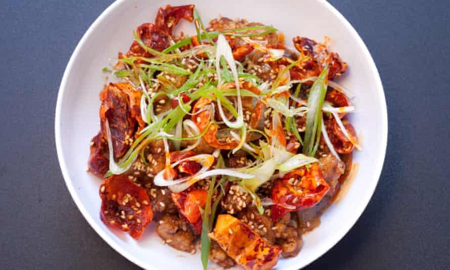 Mr Ji Restaurant, Old Compton Street, Soho, para reseña de restaurante de Jay Rayner, OM, 22/4/2021. Sophia Evans por The Observer Chilli Chicken