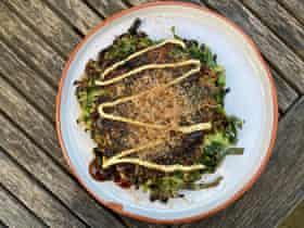 "La pasta ""casi cremosa"" se utiliza en el okonomiyaki de Moto Priestman."