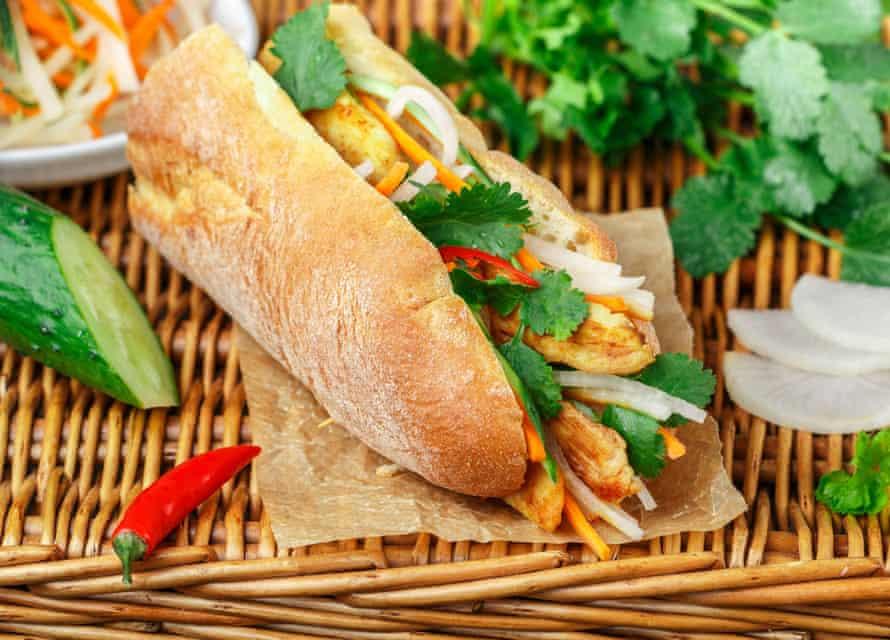 Palillos de pollo rápidos de inspiración vietnamita.