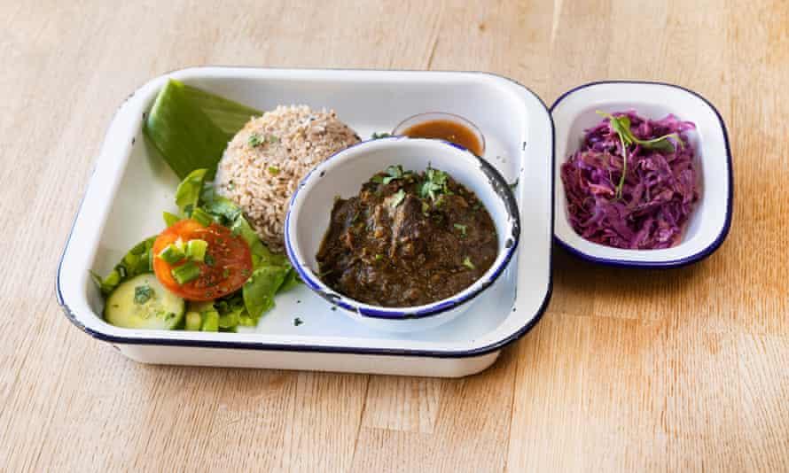 """""""Tan bueno como cualquier cosa que haya comido"""": curry de cabra."""
