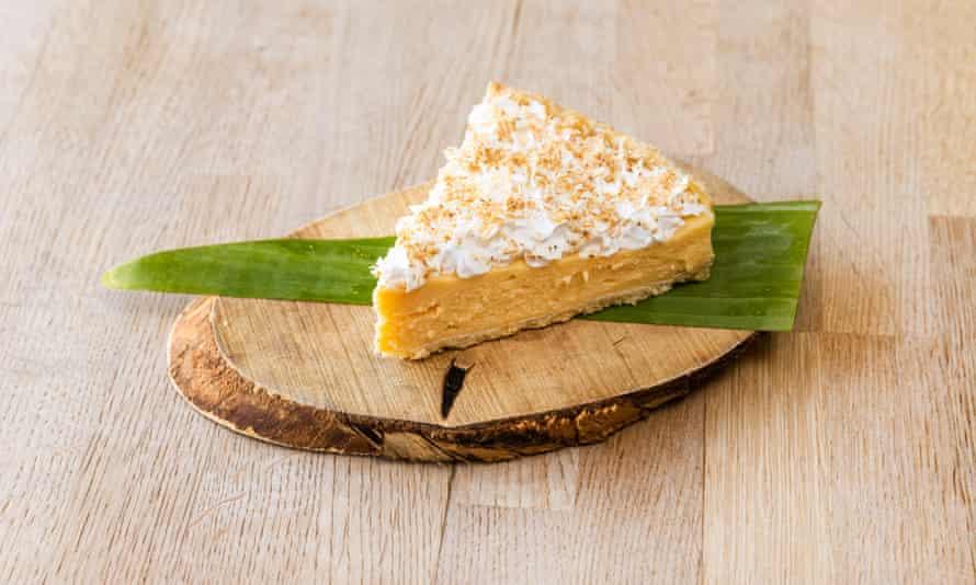 """""""En algún lugar entre la textura de la tarta de queso y el fondant"""": la tarta de crema de coco."""