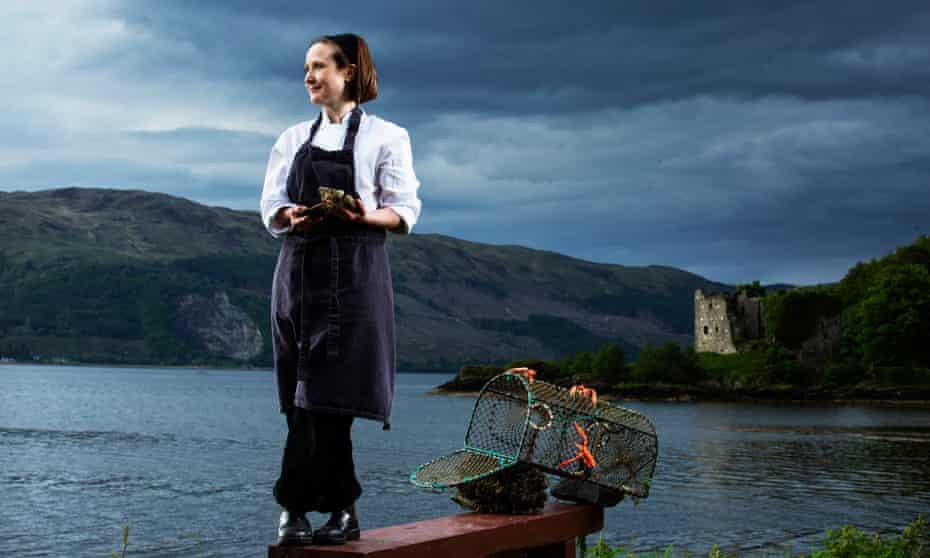 Pam Brunton, cerca del restaurante Inver a orillas del lago Fyne.