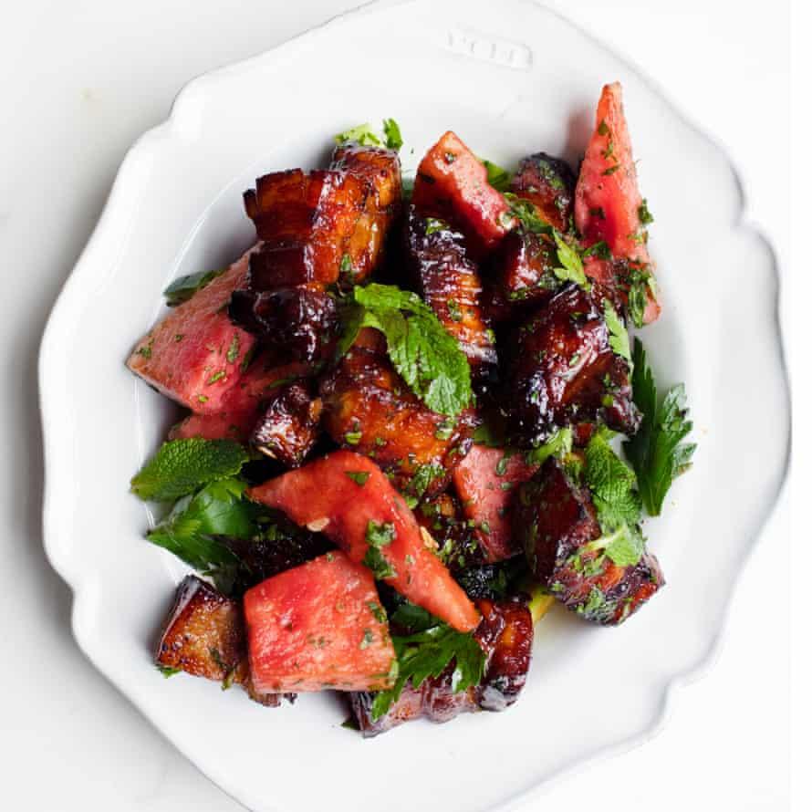 Carne de cerdo con sandía y menta.