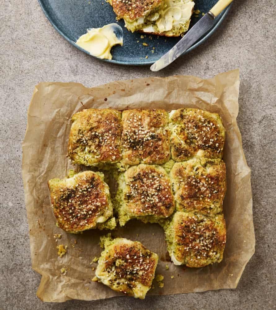 Bollos desmontables de Yotam Ottolenghi con za 'atar y queso feta.
