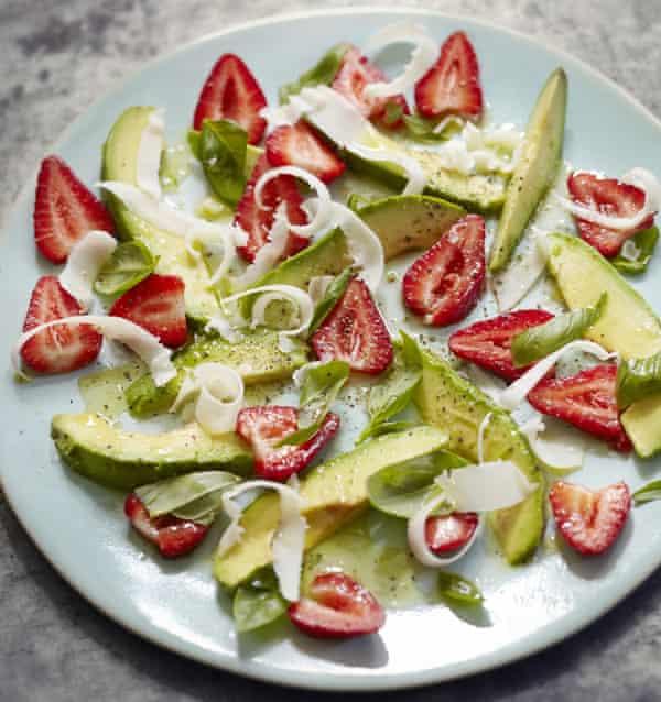 Ensalada de aguacate y fresas Hugh Fearnley-Whittingstall