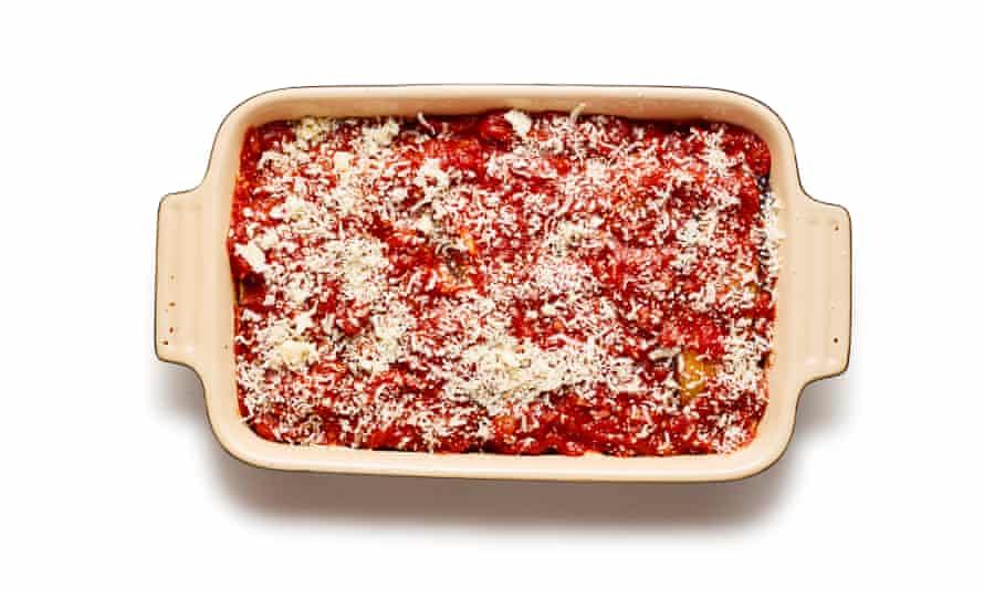Parmigiana 07 de Felicity Cloake. Perder el paso con solo el tomate y el queso en lonchas.
