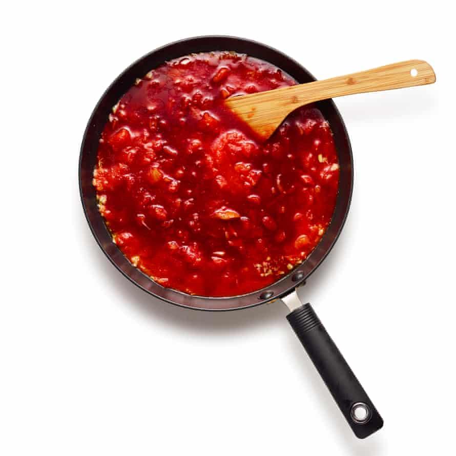 Felicity Cloake 03 start salsa de tomate parmigiana