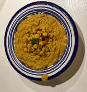 El maíz cremoso de Jane Baxter se cocina en vino o caldo y agua.