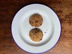 Grande en harina de arroz: galletas con chispas de chocolate sin gluten de Elizabeth Barbone. Todas las miniaturas de Felicity.