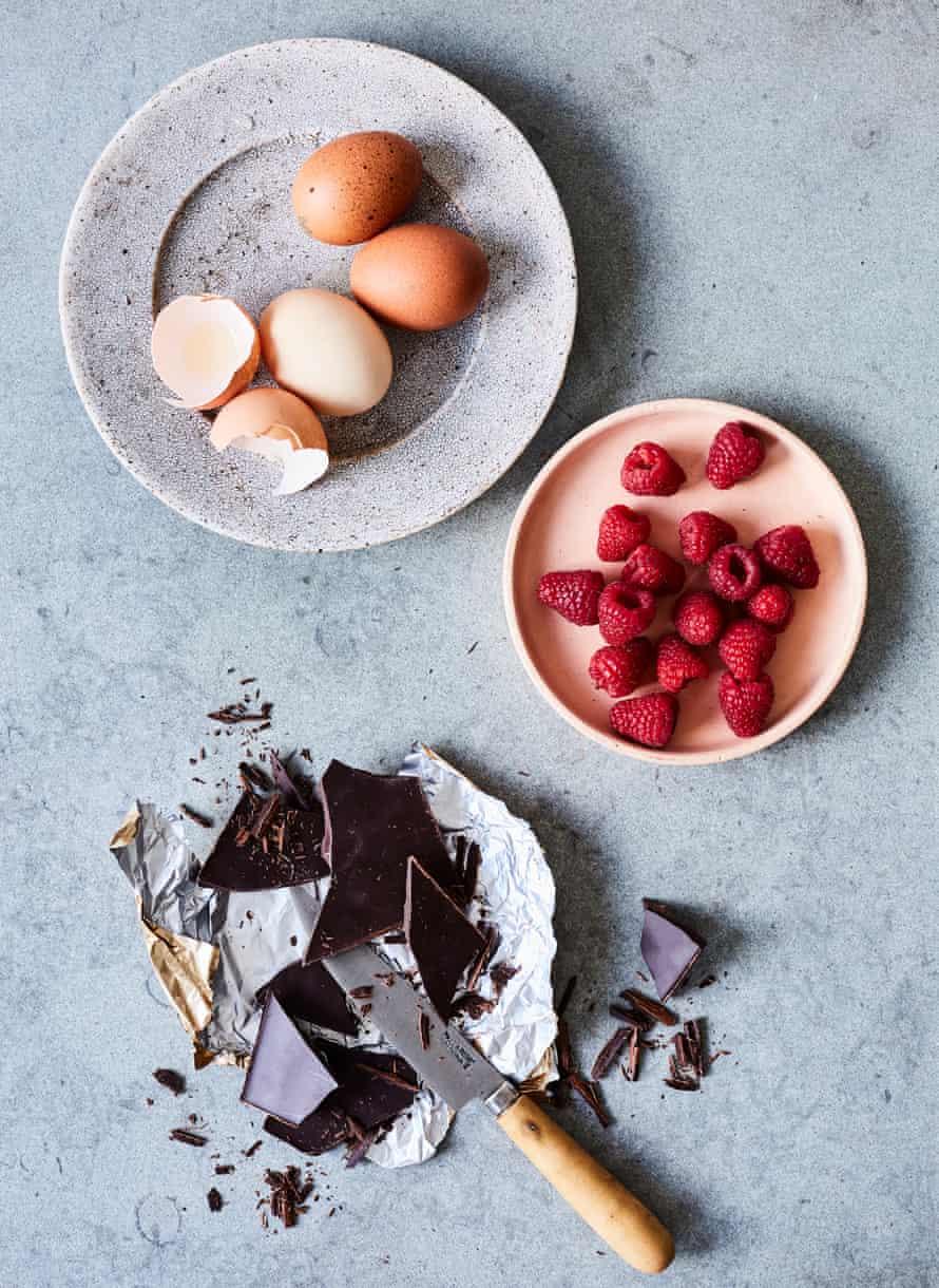Brownies de chocolate, frambuesa y ricotta.